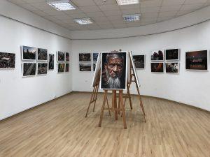 """Fotoizstāde """"Nereālā realitāte Bangladeša jeb Fotogrāfu paradīze"""""""