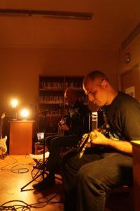 Sarkandaugavā skan rokmūzika