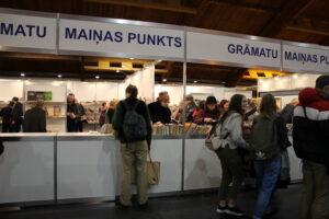 Pirmā diena Latvijas Grāmatu izstādē