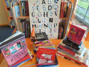Lasītāju dāvinājumu ceļš līdz bibliotēkas plauktam