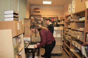 Vērtīgo grāmatu iepirkums sasniedz Rīgas Centrālo bibliotēku