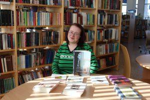 Autori un grāmatas ārpus bibliotēkas